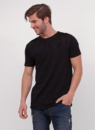 Camiseta com Bolso em Suede