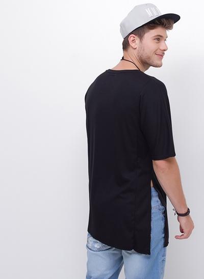 Camiseta Alongada com Fendas em Ribana