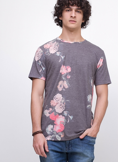 Camiseta Floral em Tricô