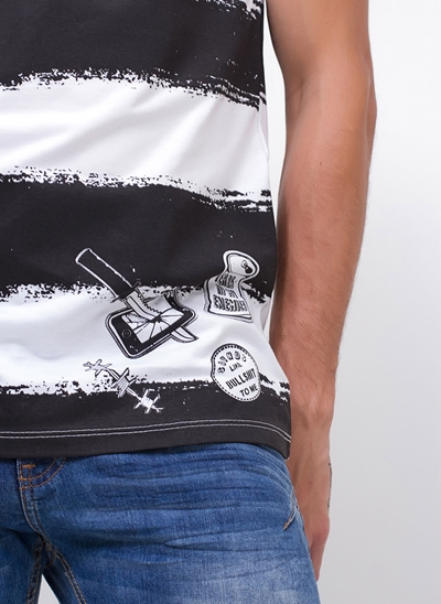 Camiseta Spray com Listras