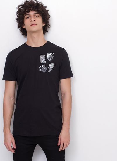 Camiseta Black com Patches