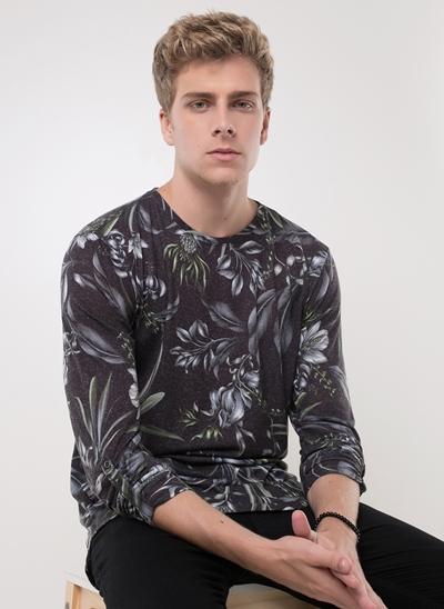 Camiseta Floral em Linho