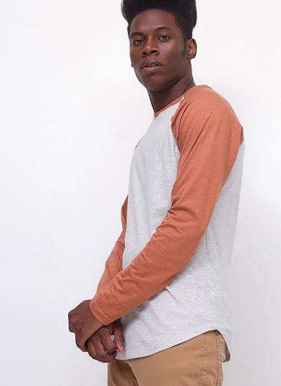 Camiseta Manga Longa Raglan
