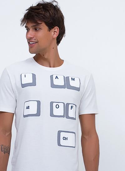 Camiseta Out of Ctrl em Flamê