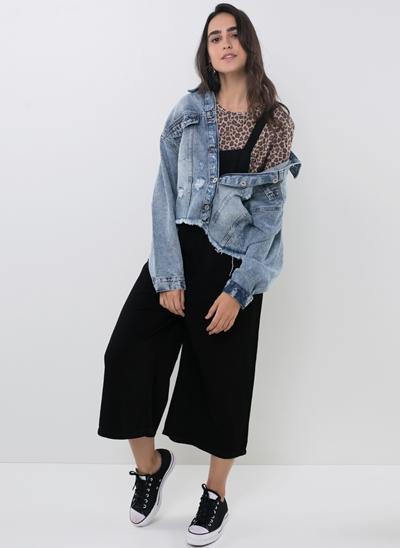 Jaqueta Cropped em Jeans com Puídos